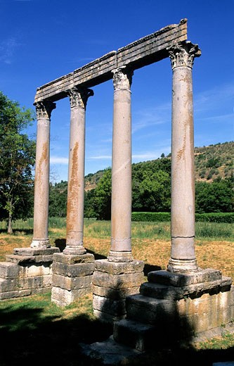 Stock Photo: 1792-69146 France, Alpes de Haute Provence, Verdon Regional Natural Park, Riez, 1rst century roman columns