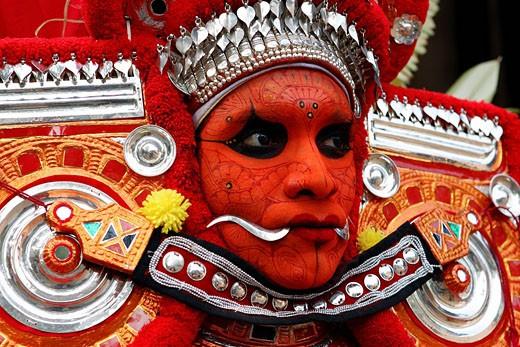Stock Photo: 1792-69976 India, Kerala, the ritual ceremony of Teyyam