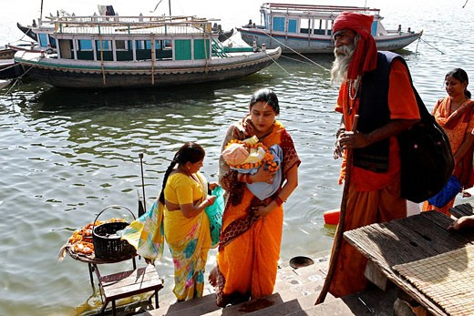 India, Uttar Pradesh, Varanasi, on the ghats : Stock Photo