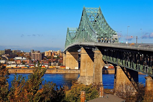 Canada, Quebec Province, Montreal, Jacques Cartier Bridge on Saint_Laurent River : Stock Photo