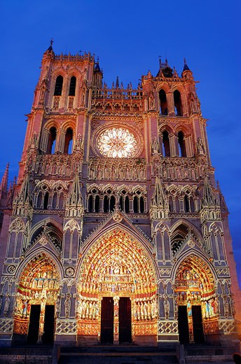 Stock Photo: 1792-71465 France, Somme, Amiens, Notre_Dame d´Amiens Cathedral, listed as World Heritage by UNESCO, illuminated lighting by Skertzo Co. for Amiens Metropole