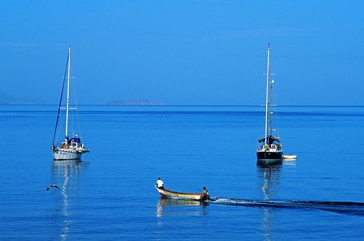 Venezuela, Sucre State, Puerto La Cruz, Mochima National Park, sailboat mooring and fishermen in Santa Fe Gulf : Stock Photo