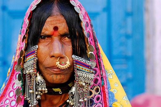 Stock Photo: 1792-74111 India, Karnataka, Bijapur, Lambanis women wear colored outfits embroidered with small mirrors