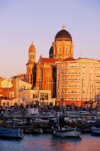 France, Var, Saint Raphael, Notre Dame de la Victoire Church in Neo Byzantine style and harbour : Stock Photo