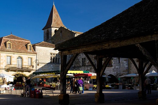 France, Dordogne, Monpazier village, labelled Les Plus Beaux Villages de France The Most Beautiful Villages of France, market day on the central square : Stock Photo
