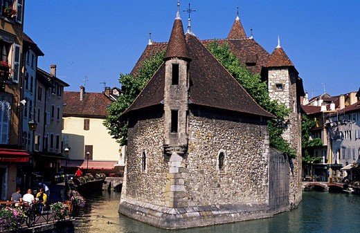 France, Haute Savoie, Annecy, former jails of Palais de l´ Isle and downtown canals : Stock Photo