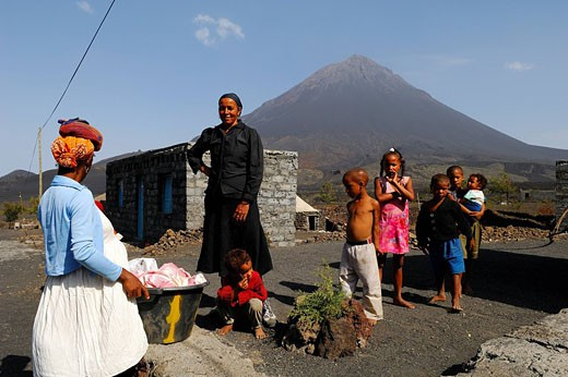 Cape Verde, Fogo Island, Cha das Caldeiras inhabitants, Pico Volcano 9 281,50 ft in the background : Stock Photo