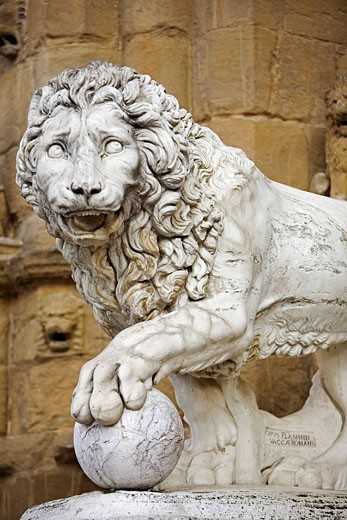 Stock Photo: 1792-80540 Italy, Tuscany, Florence listed as World Heritage by UNESCO, lion statue at the Loggia Signoria entrance