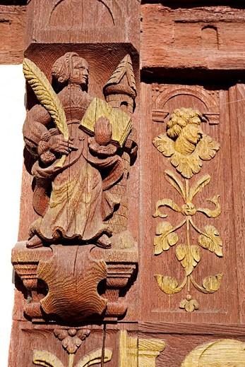 France, Seine_Maritime 76 Saint_Valery_en_Caux, Henry IV House, tourist center, facade detail, sculpted wood : Stock Photo