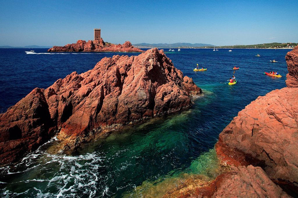 Stock Photo: 1792-82753 France, Var, Esterel Corniche, Agay village, Cap Dramont and ile d´ Or Golden Island