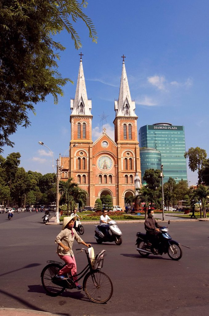 Vietnam, Saigon Ho chi minh ville, Notre Dame Cathedral Nha Tho Duc Ba : Stock Photo