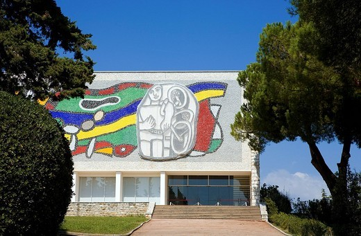 France, Alpes Maritimes, Biot, Musee Fernand Leger : Stock Photo
