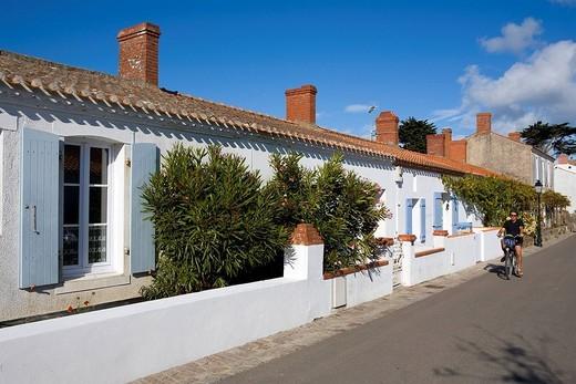 France, Vendee, Ile de Noirmoutier, Le Vieil, fishermen houses : Stock Photo