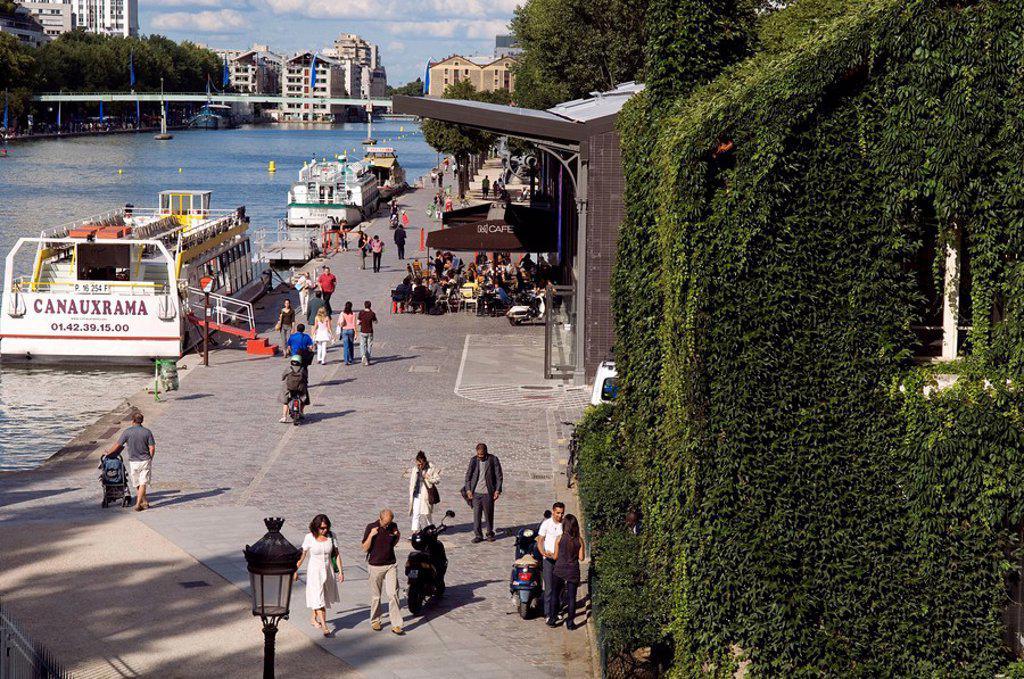 France, Paris, La Villette Basin, Canal de l´ Ourcq : Stock Photo