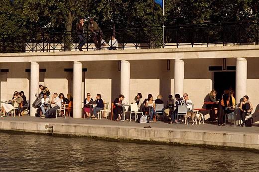 France, Paris, La Villette Basin, cafe terrace : Stock Photo