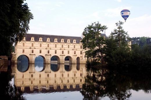 Stock Photo: 1792-84541 France, Indre et Loire, Chateau de Chenonceau spanning Cher River