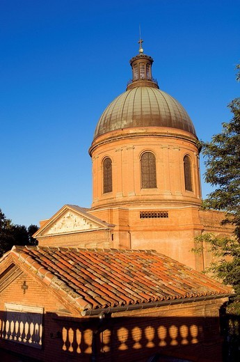 Stock Photo: 1792-84933 France, Haute Garonne, Toulouse, Hospice de la Grave, dome of the chapel