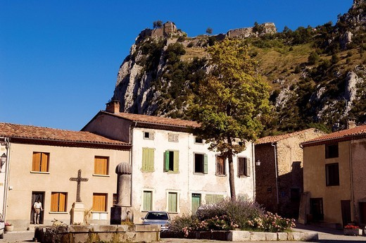 Stock Photo: 1792-85080 France, Ariege, Pays d´ Olmes, Roquefixade village, medieval castle ruins in the background