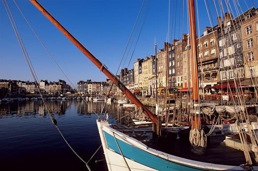 France, Calvados, Pays d´Auge, Honfleur, Vieux Bassin old basin and Sainte Catherine quay : Stock Photo