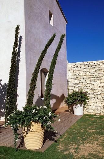France, Vaucluse, Luberon, Saint Saturnin les Apt, Domaine des Andeols charm hotel : Stock Photo