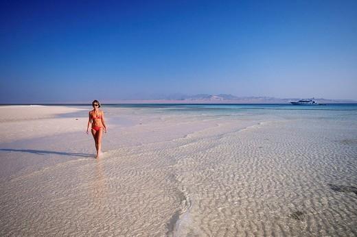 Stock Photo: 1792-88750 Egypt, Desert du Sinai, near Sharm el Sheikh, the Red Sea, tourist