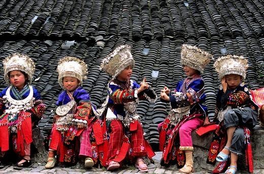 China, Guizhou province, girls of the Miao ethnic group : Stock Photo