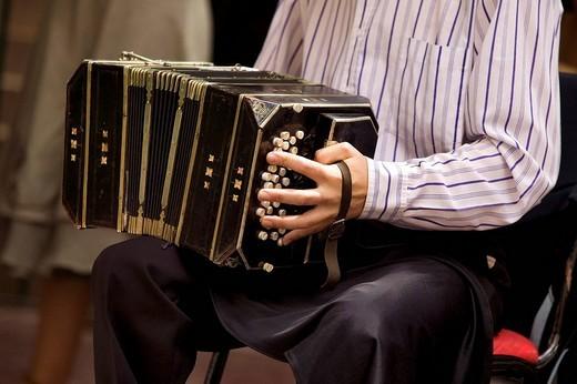 Stock Photo: 1792-94431 Argentina, Buenos Aires, San Telmo District, Plaza Dorrego, San Telmo Fair, tango musicians