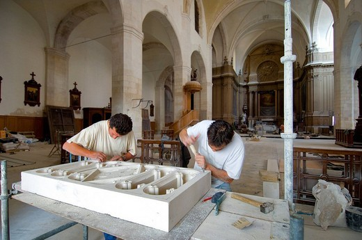 France, Charente Maritime, La Rochelle, restoration of the Saint Sauveur church, Samuel Vignaud Tshirt blanc : Stock Photo