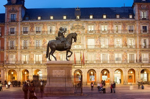 Spain, Madrid, Plaza Mayor, the equestrian statue of Felipe III : Stock Photo