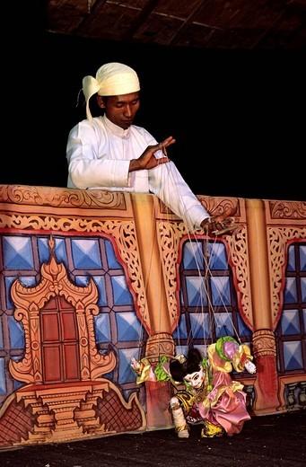 Stock Photo: 1792-96709 Myanmar Burma, puppeteer