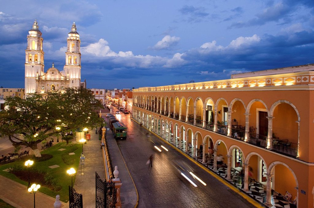 Stock Photo: 1792-98746 Mexico, Campeche State, Campeche City, historical center listed as World Heritage by UNESCO, the Zocalo, the cathedral and the library