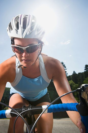 Cyclist on mountain road : Stock Photo
