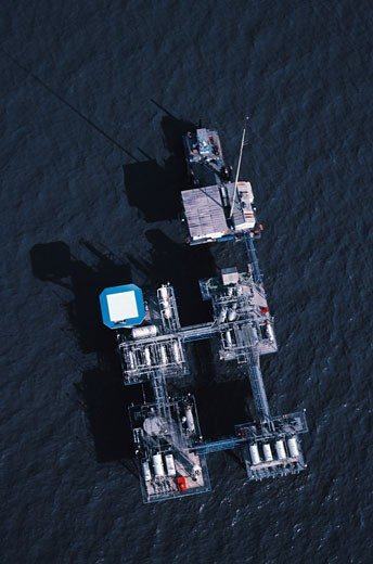 Aerial view of oil rig platform in the Gulf of Mexico : Stock Photo