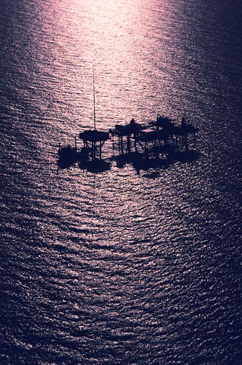Stock Photo: 1795R-18815 Oil rig platform in the Gulf of Mexico