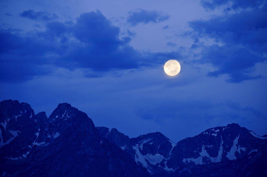 Scenic mountain sunrise : Stock Photo