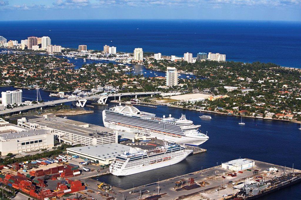 Stock Photo: 1795R-25744 Cruise ship docked in Florida