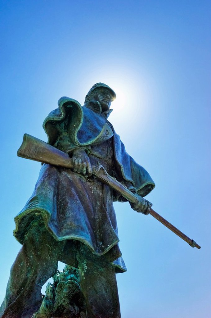 Stock Photo: 1795R-29601 Statue of a soldier at Vicksburg National Military Park