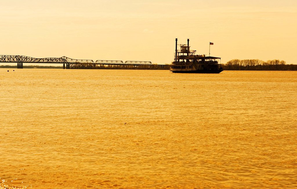 River boat on the Mississippi River : Stock Photo