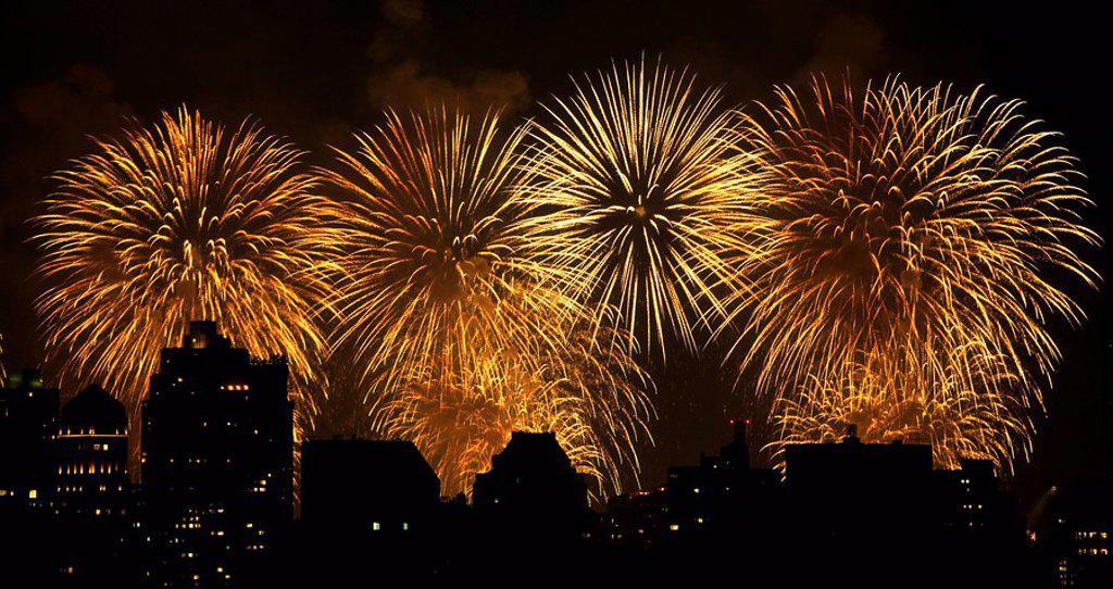 Fireworks over New York City skyline : Stock Photo
