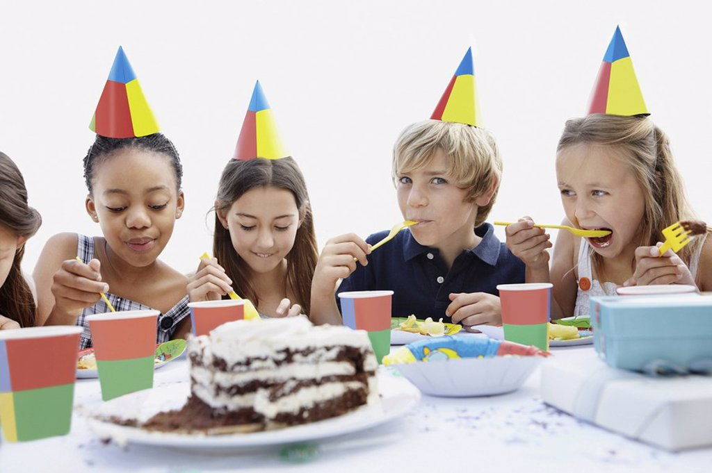 Stock Photo: 1795R-33693 Group of children at a birthday party