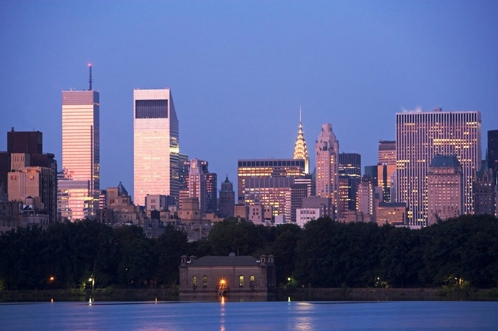 Stock Photo: 1795R-35762 USA, New York State, New York City, Skyline with Bloomberg Building and Chrysler Building at dusk, view from Central Park