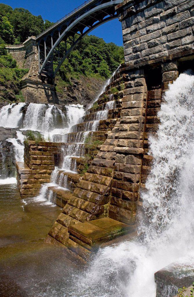USA, New York State, Croton, Dam and waterfall under bridge : Stock Photo