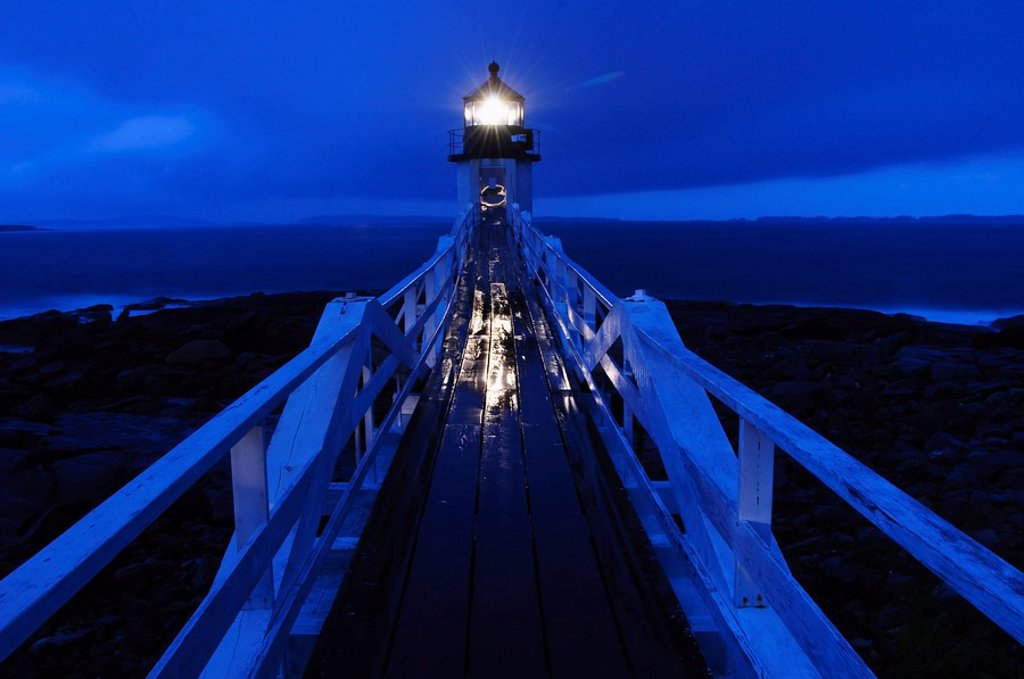 Stock Photo: 1795R-37080 Lighthouse beacon