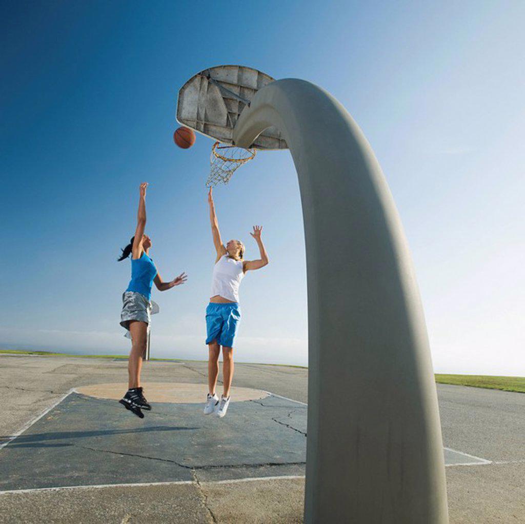 Stock Photo: 1795R-37341 Basketball players