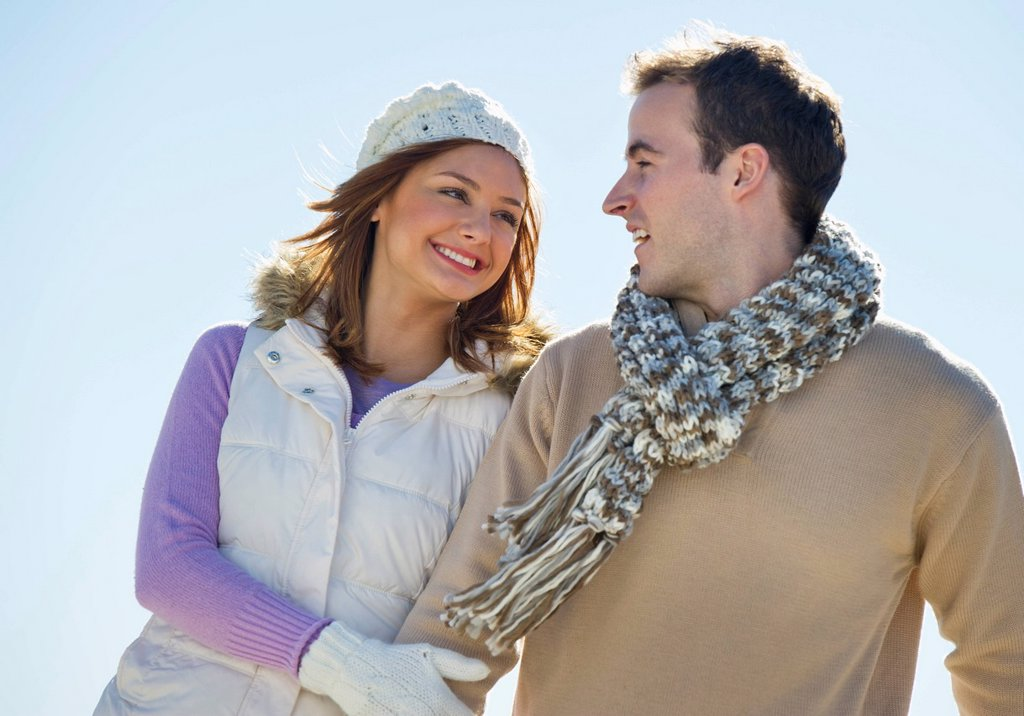Stock Photo: 1795R-39407 USA, New Jersey, Jersey City, Portrait of young couple
