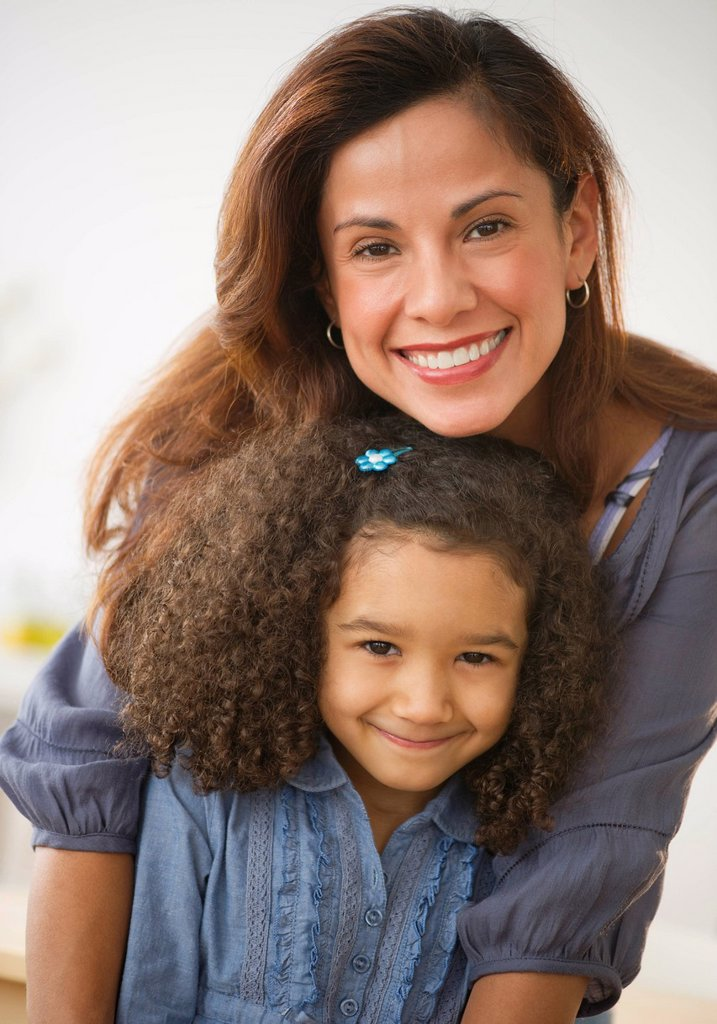 USA, New Jersey, Jersey City, portrait of smiling mother and daughter 6_7 : Stock Photo