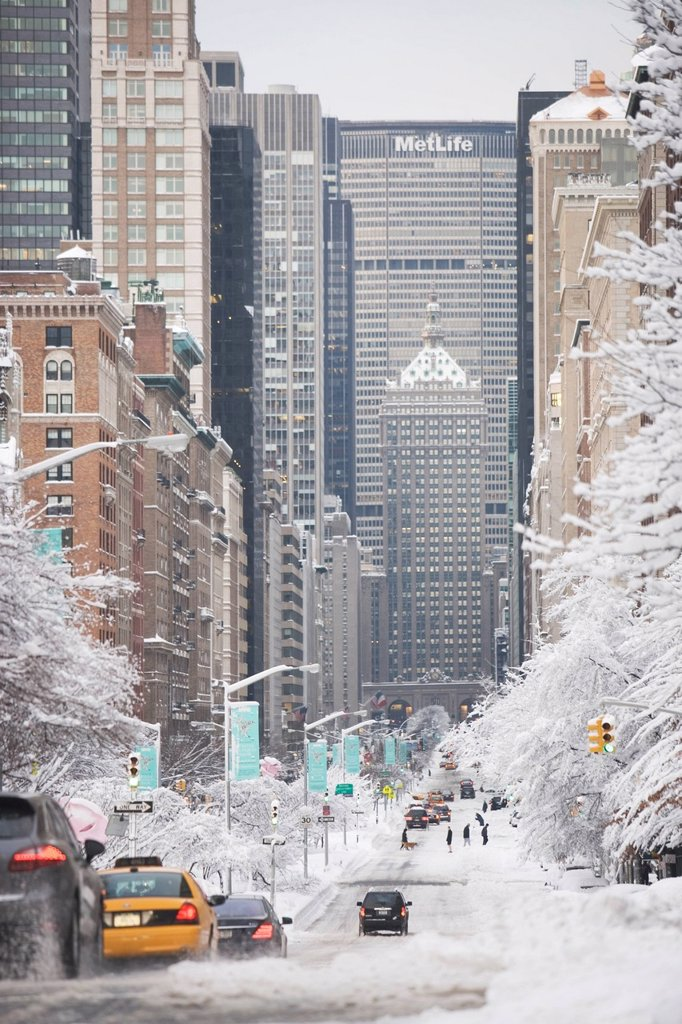 USA, New York City, Park Avenue in winter : Stock Photo