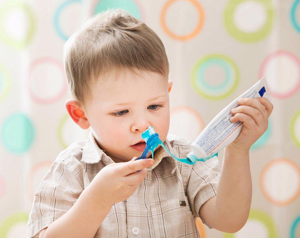 Stock Photo: 1795R-46443 USA, Utah, Lehi, boy 2_3 brushing teeth
