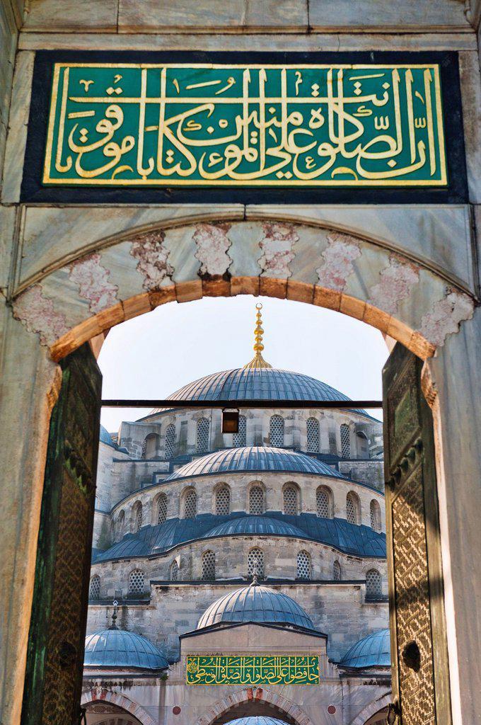 Stock Photo: 1795R-48233 Turkey, Istanbul, Sultanahmet Mosque