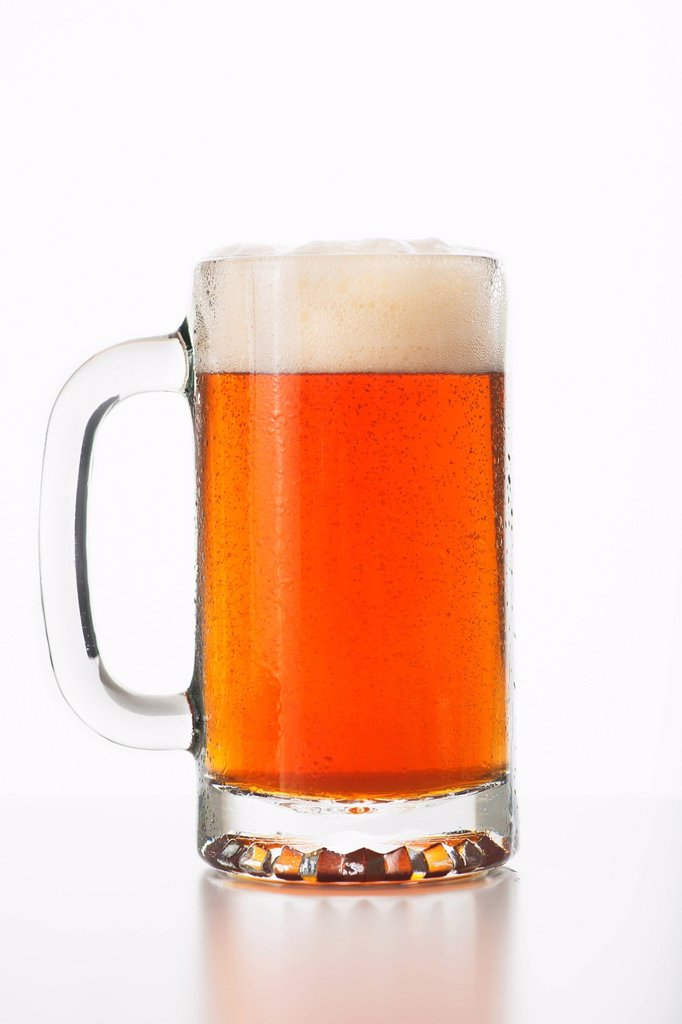 Stock Photo: 1795R-54658 Studio shot of ale in beer glass